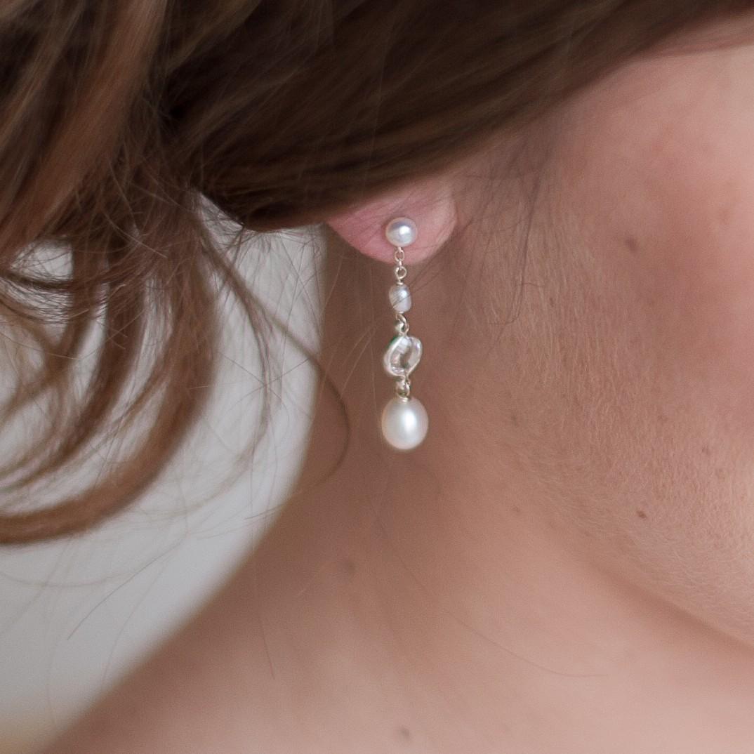 Isabella Vintage Pearl Bridal Droplet Earrings